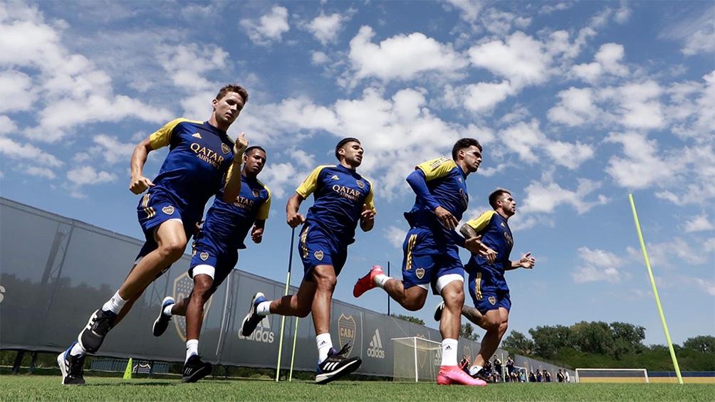 Boca entrena a la espera del comienzo del torneo (foto archivo - @Bocaoficial)
