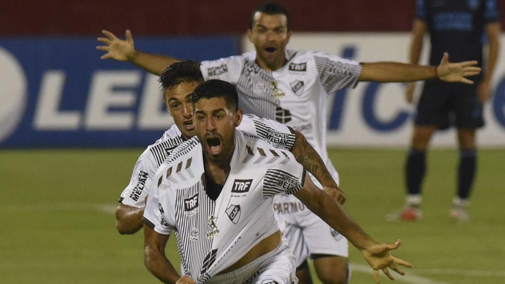 El encuentro se jugará en el estadio Diego Maradona. Platense lleva amplia ventaja ante Argentinos Juniros.