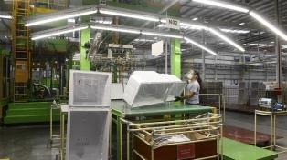 Una empresa produjo 90 mil electrodomésticos Samsung en 2020 y en 2021 quiere exportar a la región