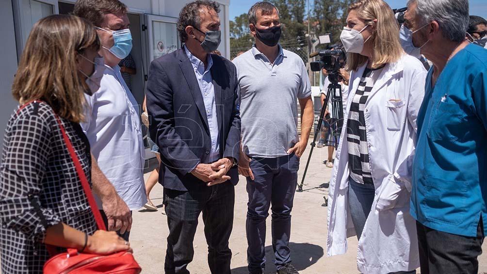 Katopodis realizó una recorrida por la unidad sanitaria que realiza en el predio del Hospital Interzonal General de Aguda de Mar del Plata.