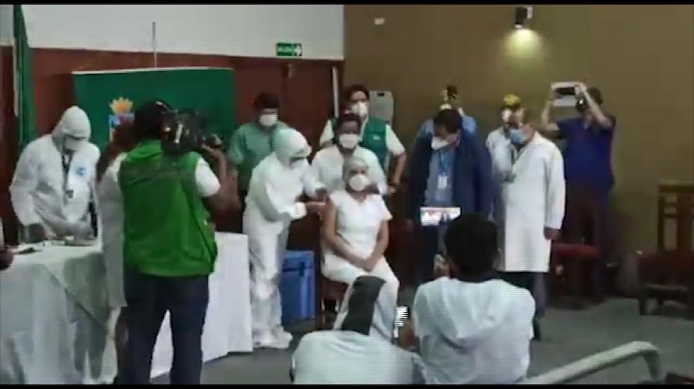 La vacuna llegó desde Buenos Aires porque fue trasladada desde Moscú por Aerolíneas.