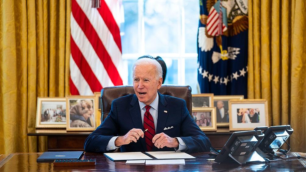 """""""Muchos de nuestros ciudadanos, padres, esposas, hijos y amigos han conocido el dolor que supone la pérdida de un ser querido por la violencia de las armas de fuego"""", expresó Biden."""