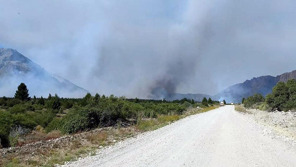 Un total de 160 las personas trabajan para extinguir las llamas.