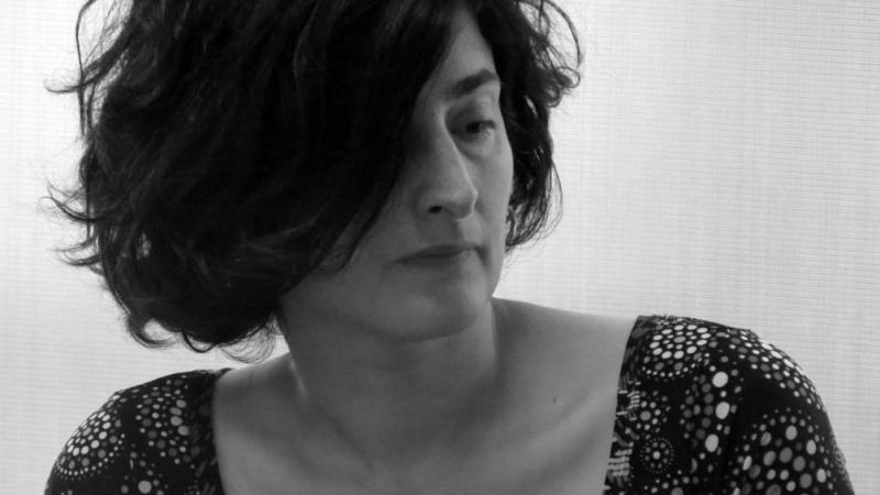 """Desde la fenomenología, Mariana Larison propone """"otras formas de pensar en estar juntos"""""""