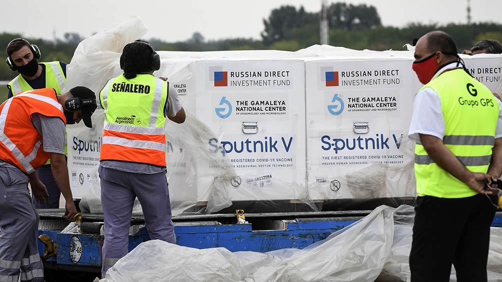 En total, entre los siete vuelos anteriores hacia y desde Rusia trajeron 2.799.000 dosis de Sputnik V.