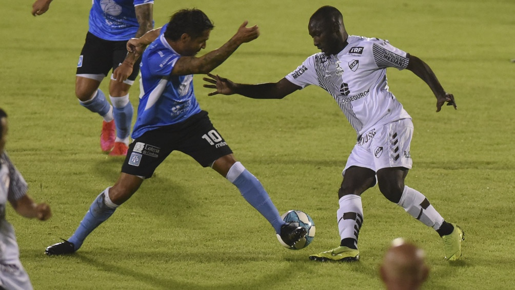 El partido terminó en tablas y el ascenso se dirimió en la tanda de los penales