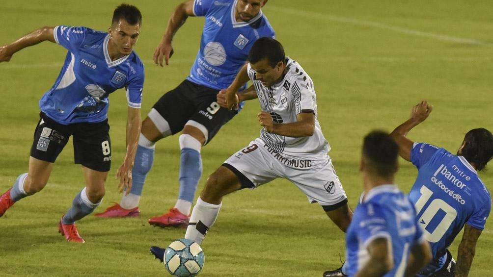 El equipo de Vicente López arrancó con ímpetu, desbordando a su rival en el tramo inicial