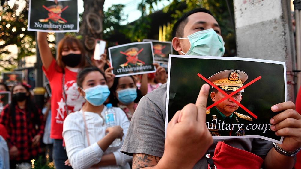 En las calles de Myanmar se hicieron sentir las protestas por el golpe de Estado.