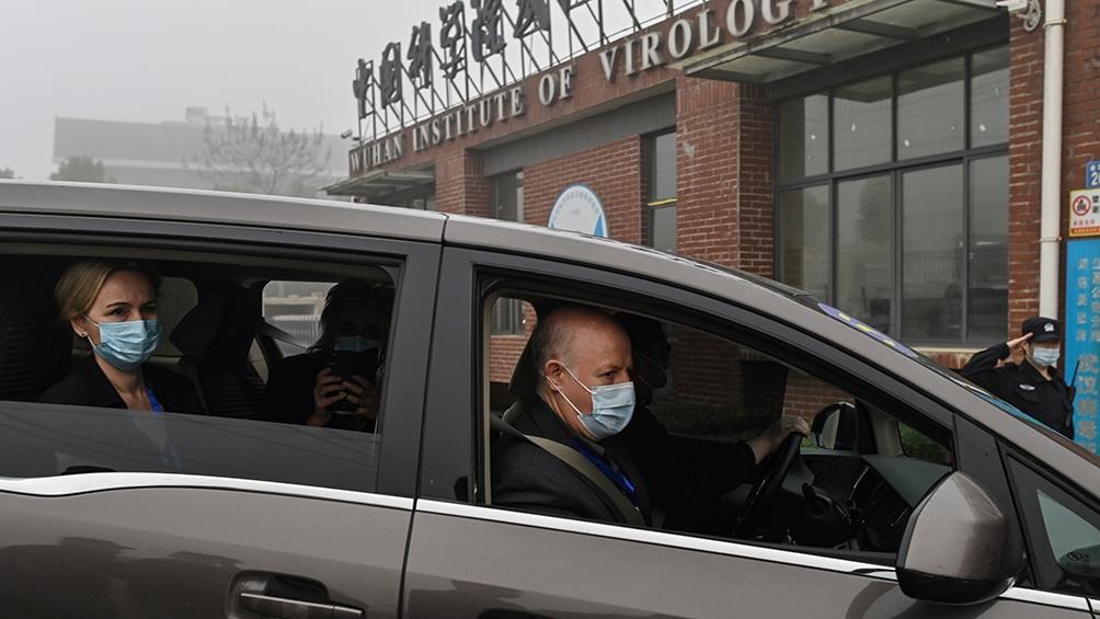 Los expertos de la OMS estuvieron unas cuatro horas en las instalaciones y luego se retiraron sin hablar con la prensa.