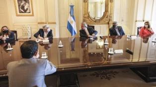 El Presidente se reunió con empresarios y gremialistas del sector del transporte de cargas