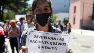 Movilización en protesta por la reducción de raciones en los comedores porteños