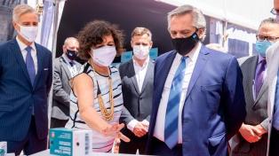 El Presidente visitó el laboratorio Richmond, que invertirá 80 millones de dólares