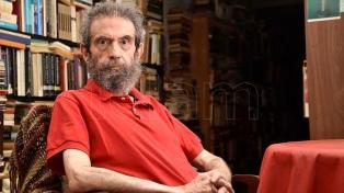 """Luis Chitarroni: """"La narrativa de los últimos años se privó de servicios secretos de la literatura"""""""