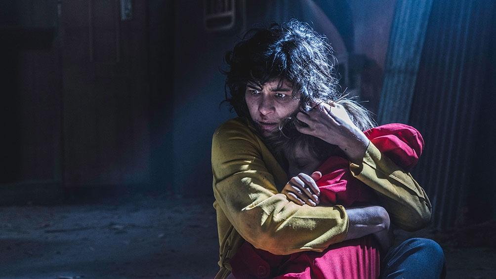 Anghileri protagoniza un filme de Daniel De la Vega, un exponente del terror local.