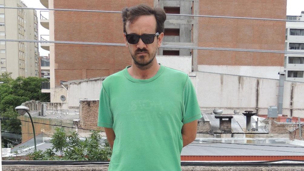 """Lamberti, nacido en San Francisco (Córdoba) en 1978, es autor de """"Los campos magnéticos"""" y """"La casa de los eucaliptus"""" entre otras novelas y colecciones de cuentos"""