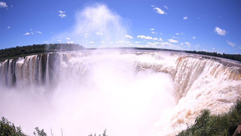 Las Cataratas de Iguazú fueron el marco de la presentación de la segunda edición del programa Previaje 2021-2022.