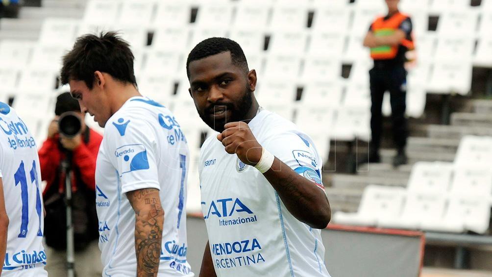 En su extenso recorrido en el fútbol García pasó por Nacional, de su país, Atlético Paranaense (Brasil), Kasimpasa (Turquía), River (Uruguay) y Godoy Cruz.