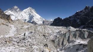 Estiman en alrededor de 200 los desaparecidos por la ruptura de un glaciar en el Himalaya