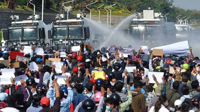 La junta militar intensificó la represión y la detención de opositores