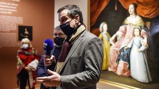 El alcalde de ultraderecha desafía las restricciones a nivel nacional y reabre los museos