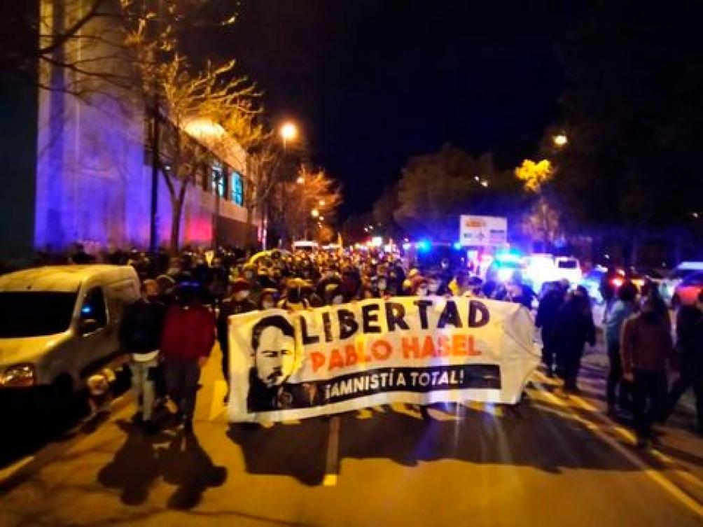Manifestantes reclamaron por la libertad total del músico.