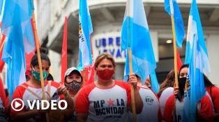 Organizaciones sociales y políticas protestaron en sedes de la Sociedad Rural