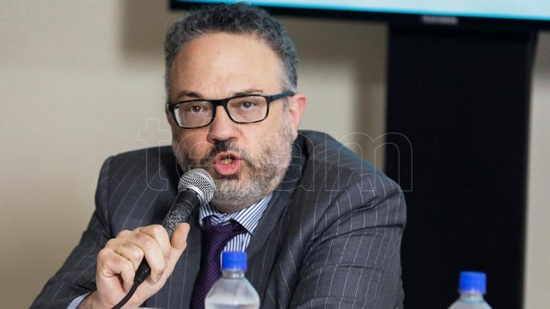 """Kulfas: """"La mesa de los argentinos se debe abastecer con precios accesibles"""""""