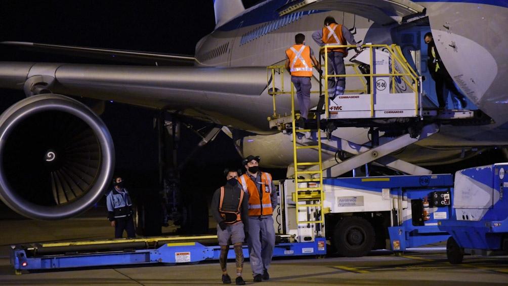El vuelo que partirá a la madrugada es la operación número 24 que realiza Aerolíneas Argentinas