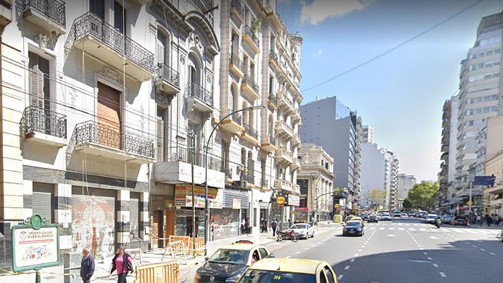 Los procedimientos fueron en tres locales de la avenida Corrientes al 2300