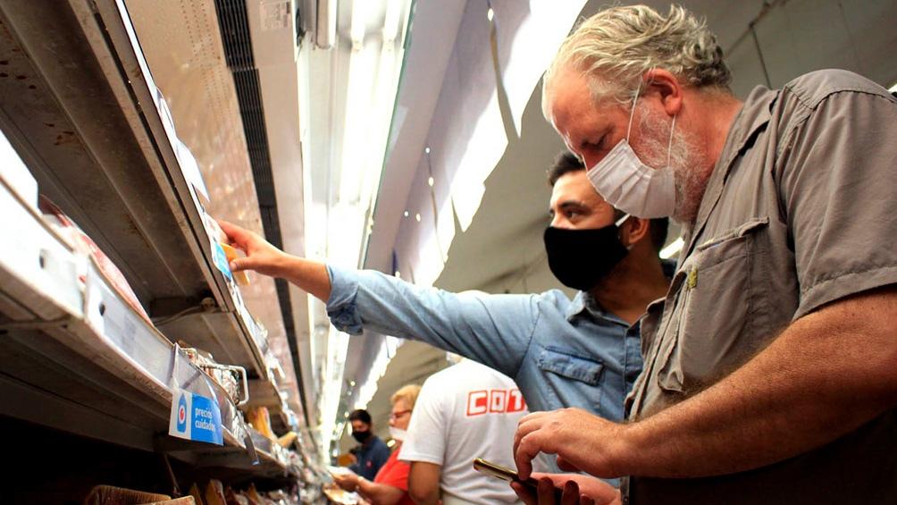 Los voluntarios son de las organizaciones sociales Movimiento Evita, Barrios de Pie y la Corriente Clasista y Combativa (CCC).