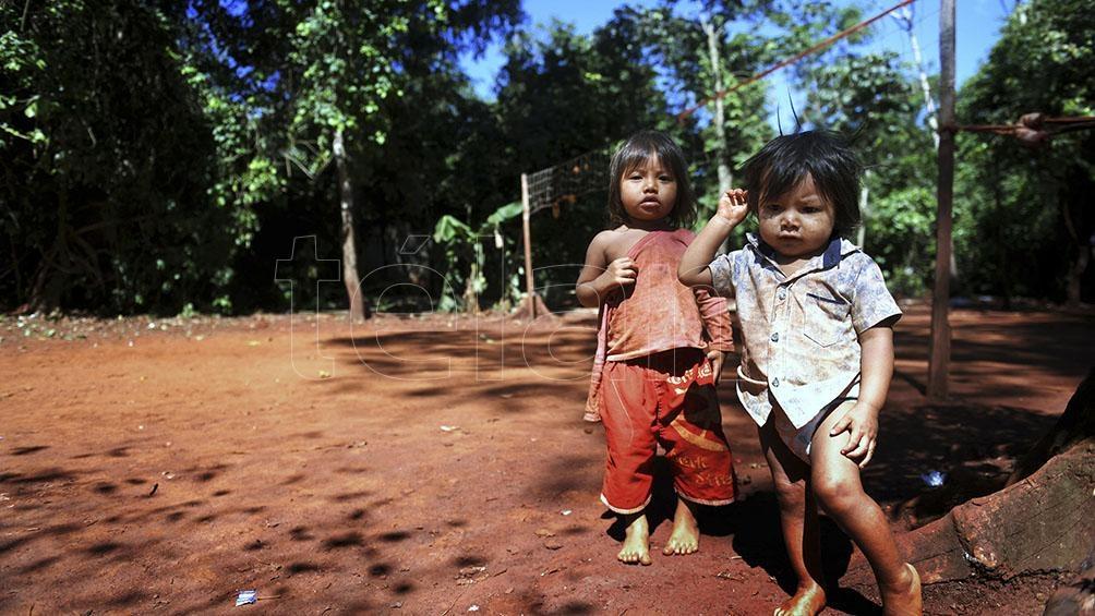 La comunidad Yasi Porá Forma parte de la población Mbya Guaraní, que ronda entre 10.800 y 11.000 habitantes, con 127 comunidades conformadas en la provincia de Misiones