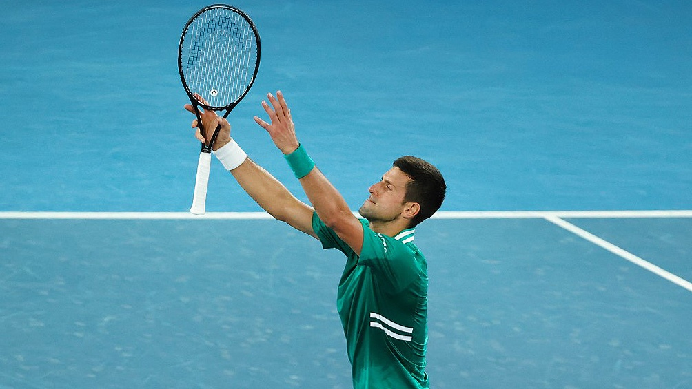 Djokovic empleó tres horas y 32 minutos para doblegar por quinta vez en forma consecutiva a Zverev.