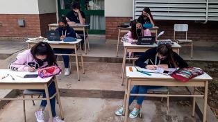 Educación propone fijar piso mínimo de 70% de contenidos aprobados para promocionar de grado o año