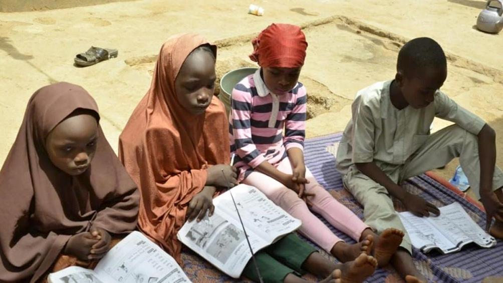 Algunas de las niñas que integraron el primer grupo de estudiantes secuestrados en diciembre.