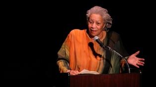 A 90 años de su nacimiento, un libro recoge las ideas y obsesiones de la escritora Toni Morrison