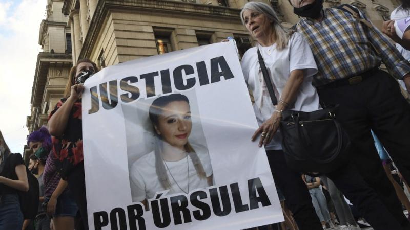 Según el peritaje de los celulares, Úrsula fue engañada por el femicida para acudir a un encuentro