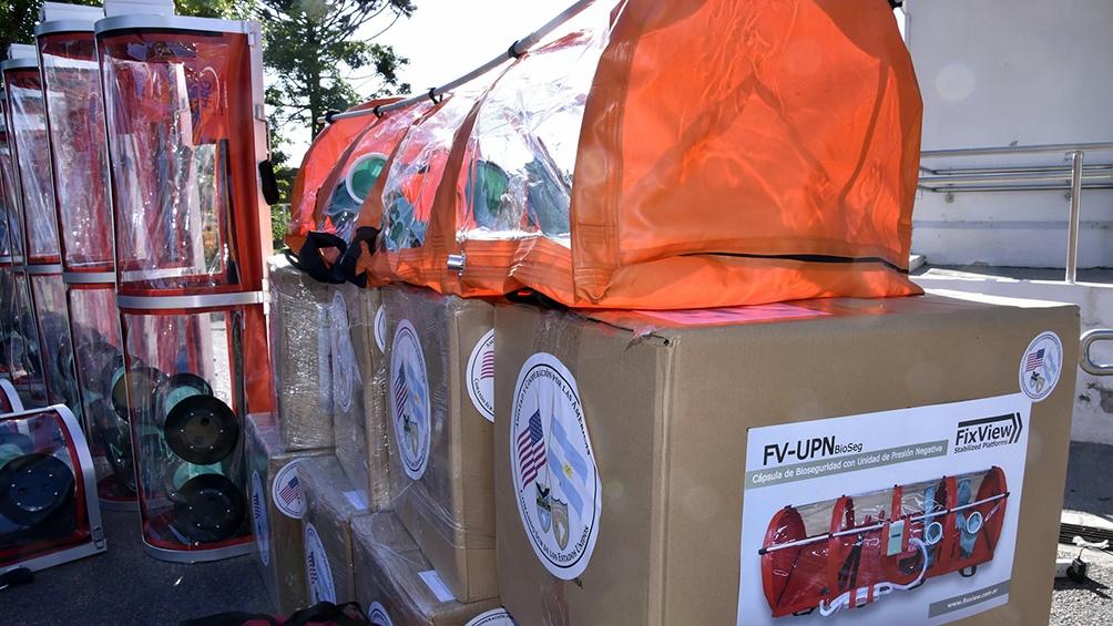 Estados Unidos donó capsulas de aislamiento para traslado de pacientes con coronavirus