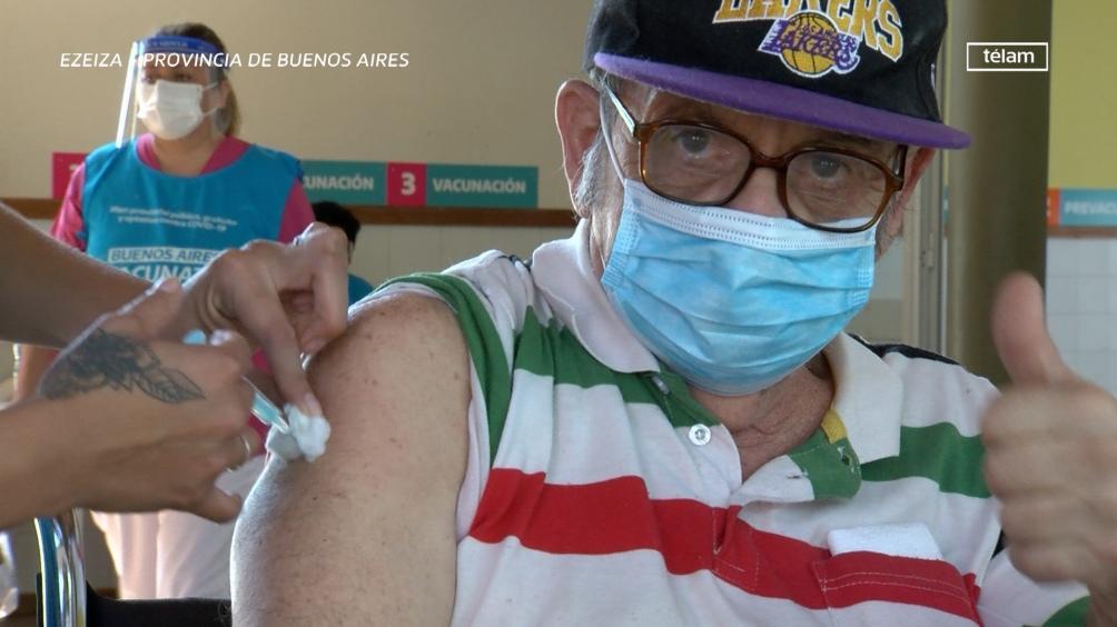 En toda la provincia de Buenos Aires se abrieron 169 puntos de vacunación.