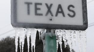 Una tormenta cubre de nieve el noreste de Estados Unidos y retrasa la vacunación