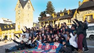 Fueron de viaje de egresados a Bariloche y casi 30 volvieron con coronavirus