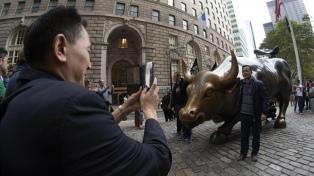 Murió el escultor Arturo Di Modica, autor del famoso Toro de Wall Street