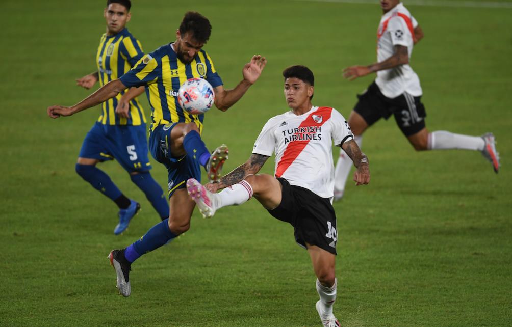 El colombiano Jorge Carrascal que usó la 10 con la partida de Nacho Fernández.