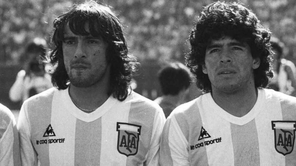 Valencia y Maradona compartieron una amistad y jugaron juntos en la Selección Nacional.