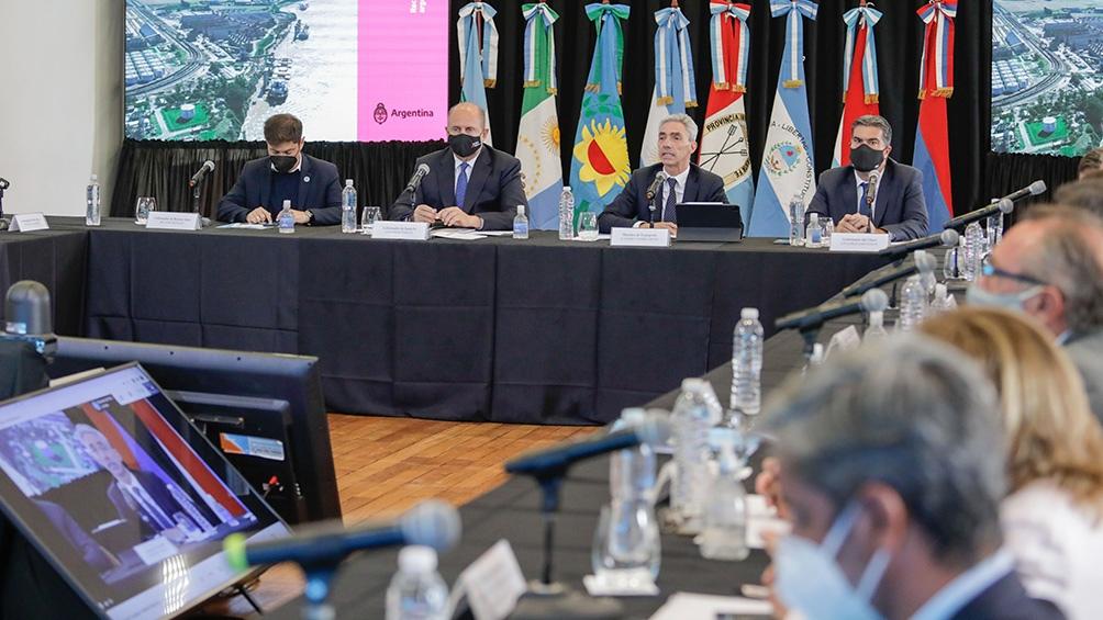 El ministro Mario Meoni, durante su exposición en el Consejo.