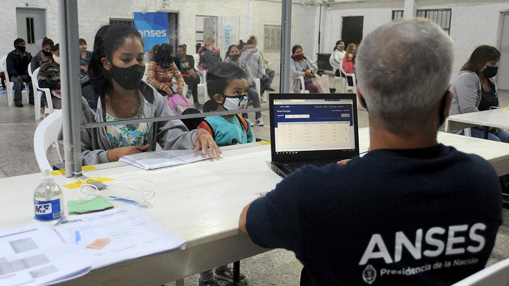 Se pagará 15 mil pesos a los beneficiarios de la Asignación Universal por Hijo.