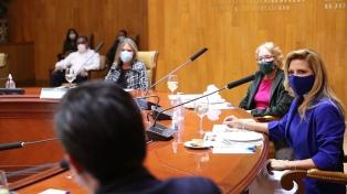 Fabiola Yañez desarrolla una agenda social en México