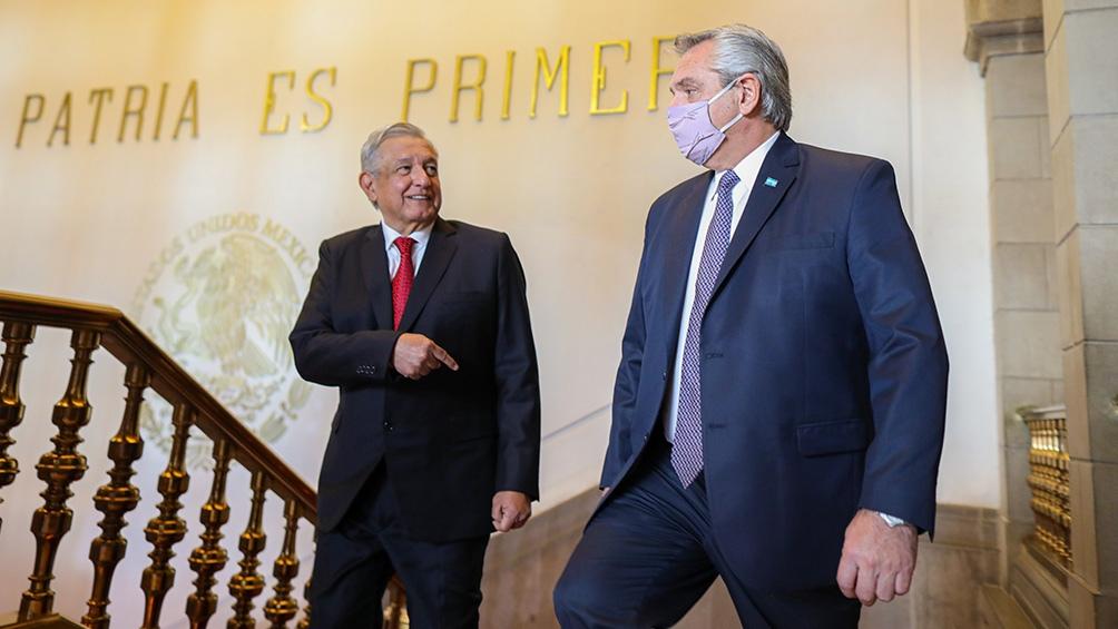 """Fernández destacó que respeta """"sinceramente"""" a su par de México """"por sus valores políticos y por el enorme esfuerzo que hace por recuperar a un país que estaba en situaciones difíciles""""."""