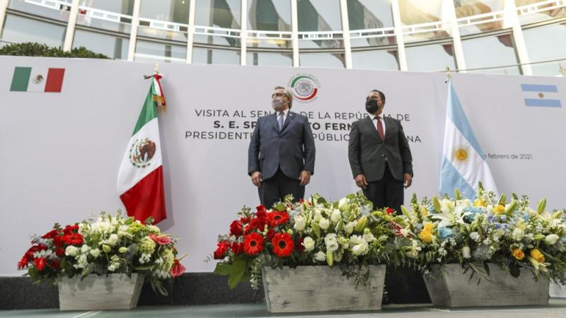 En su tercer día de visita, Fernández participa del acto central por la independencia