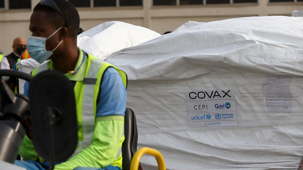 Ghana se convirtió en el primer país en recibir vacunas contra el coronavirus financiadas por el dispositivo Covax.