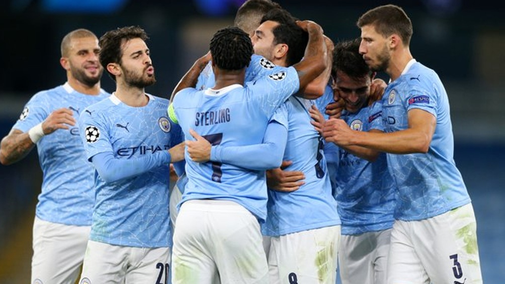 Manchester City estrena su título de la Premier League frente a Newcastle